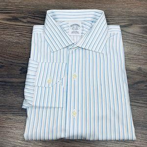 Brooks Brothers White w/ Blue Stripe Shirt 16.5-34